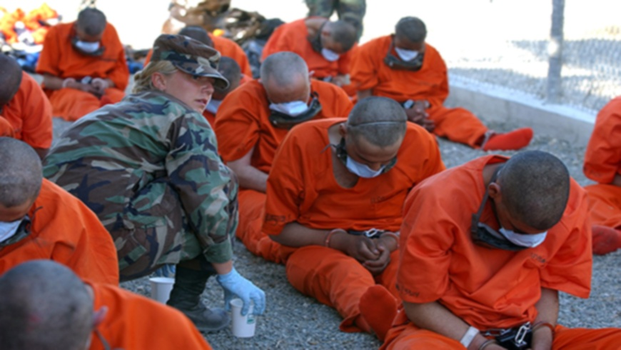 Ankunft in Camp X-Ray in Guantanamo