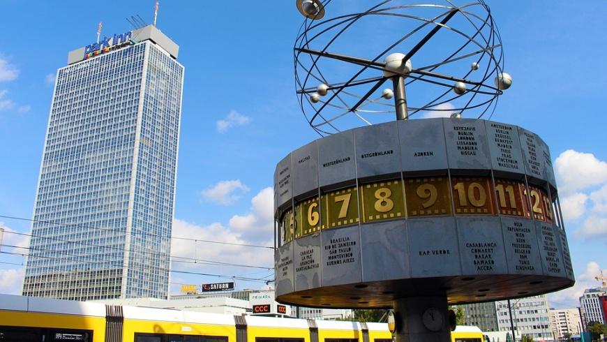 Alexanderplatz mit Park Inn Hotel