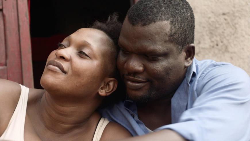 "Véro Tshanda Beya, Papi Mpaka in ""Félicité"" - Regie: Alain Gomis - Foto: © Andolfi"