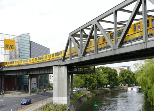 U-Bahnlinie 2 am Gleisdreieck