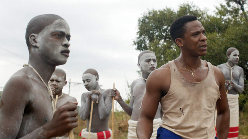 "Niza Jay Ncoyini, Siphosethu Ngcetane in ""The Wound"" von John Trengove - Foto: © Urucu Media"