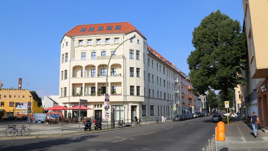 """Markantes Eckhaus: """"Weißensseer Spitze"""""""