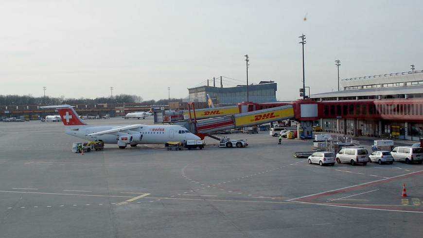 BAE Swiss Int. Air Lines in TXL
