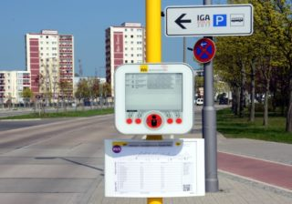 BVG testet grüne Bushaltestellen