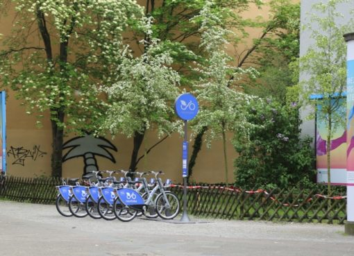 Nextbike Station im Frühling