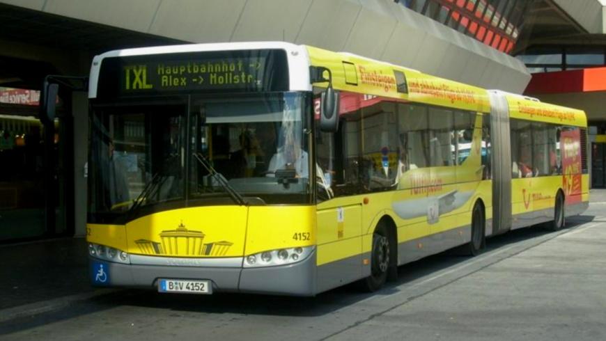 BUS TXL am Flughafen Tegel