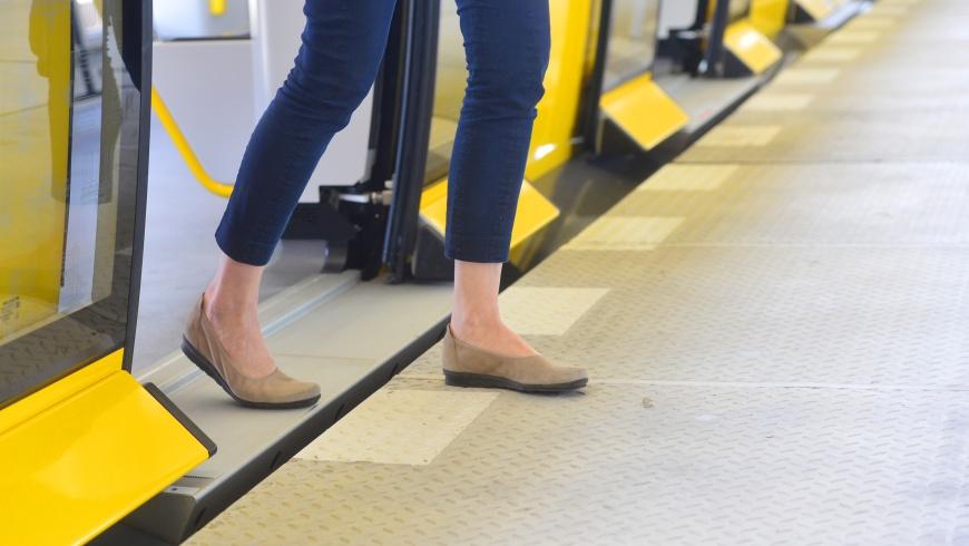 U-Bahn vom Typ IK:  Einstieg