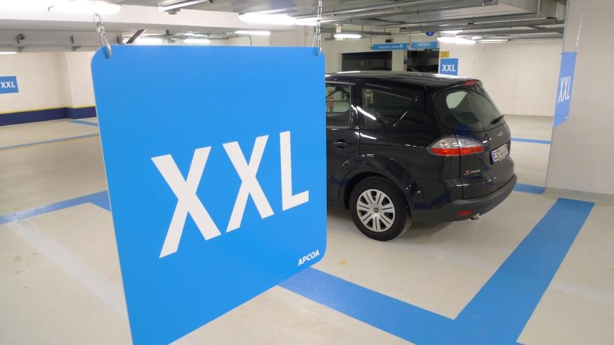 XXL-Parken am Flughafen Stuttgart