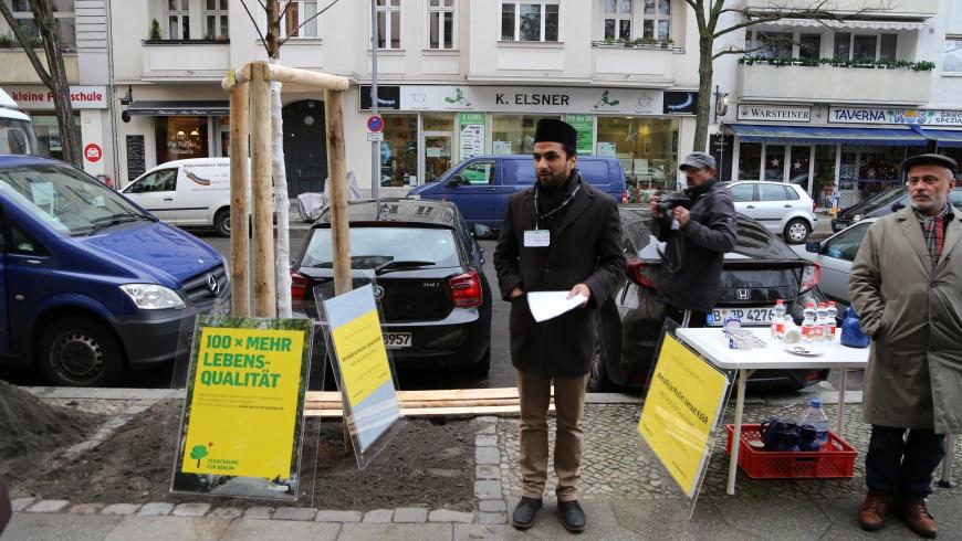 Baumpflanz-Aktion in Schöneberg