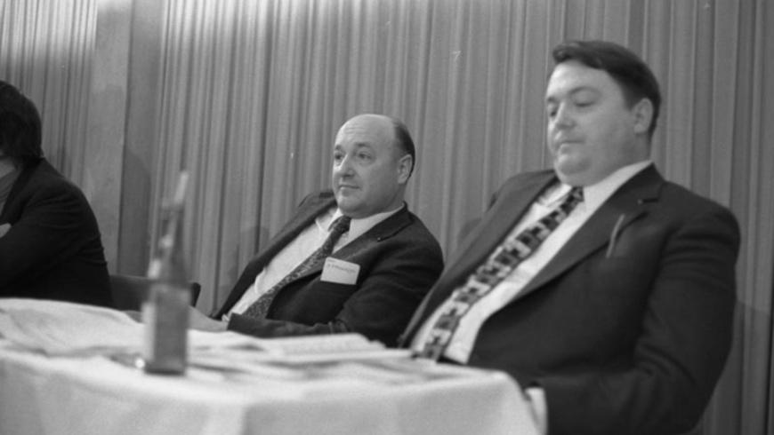 Herbert Ehrenberg neben Holger Börner