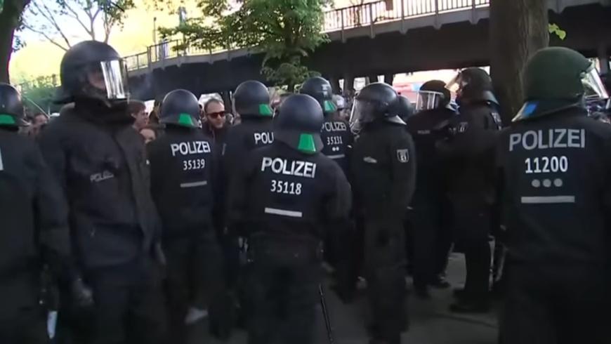 Polizeipräsenz: Revolutionäre 1. Mai-Demo