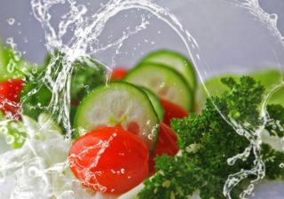 Keime auf Salat und Frischsalat