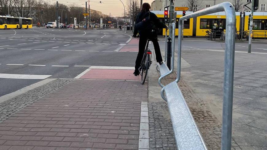 Festhaltebügel für Radfahrende