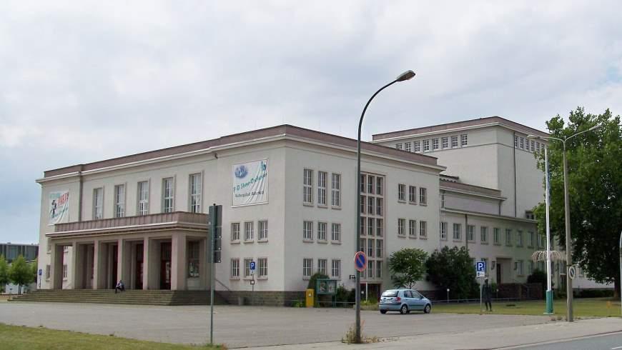 Kulturpalast in Bitterfeld in der Parsevalstraße im Chemiepark Bitterfeld-Wolfen Foto: Joeb07 CC BY-SA 3.0